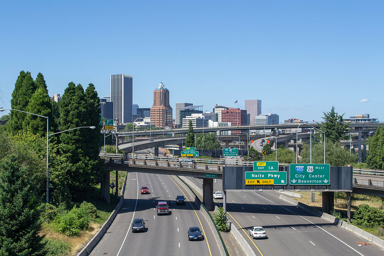 1280px-Portland,_Oregon_skyline_from_the_Ross_Island_Bridge